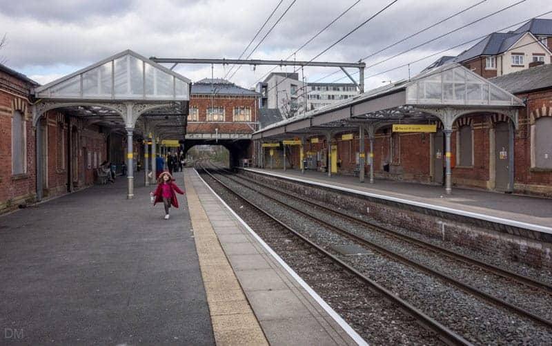Platforms at Sale Metrolink Station