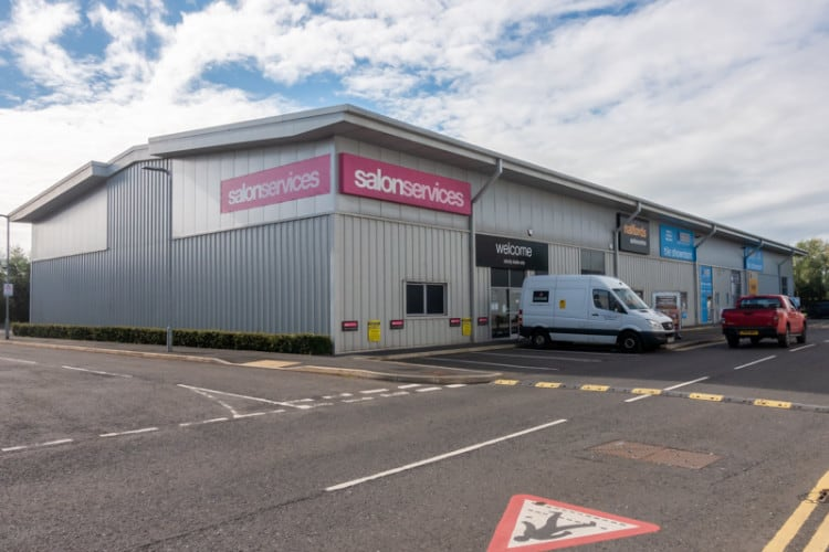 Deepdale Trade Park - Salon Services, CTD, and Halfords