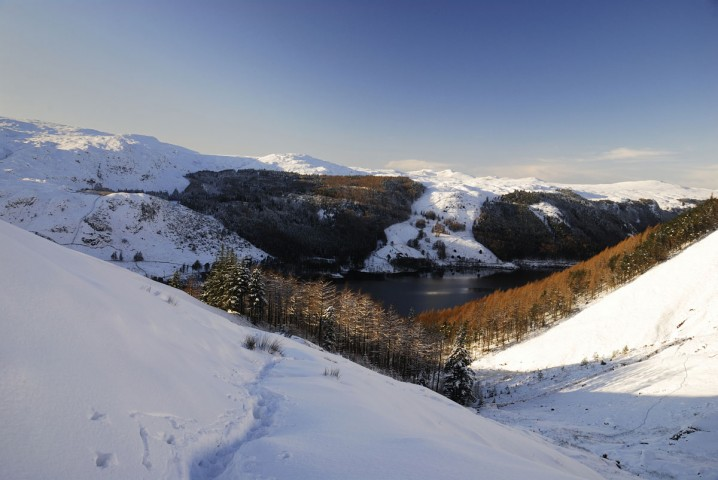 View of Thirlmere from Helvellyn in the winter